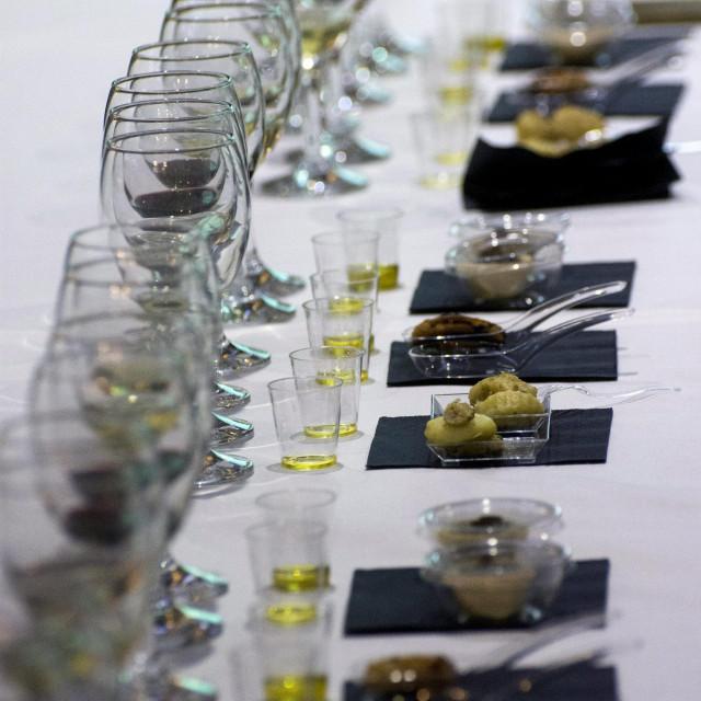 Medjunarodna manifestacija maslinara i uljara, degustacija vina i maslinovih ulja.<br />