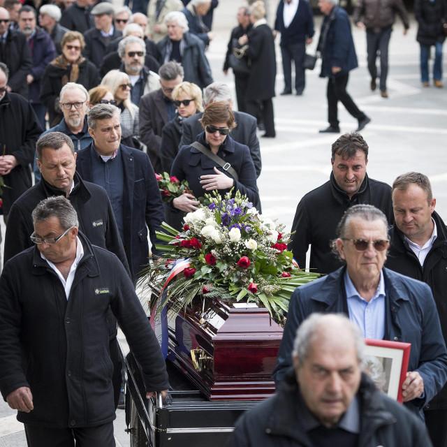 Veliki sprovodi u doba korone nikako nisu preporučljivi Ante Čizmić/HANZA MEDIA