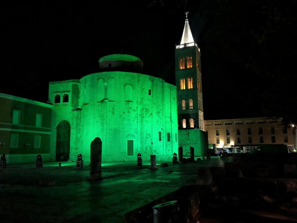 Zelenom bojom osvjetljena je crkva sv. Donata