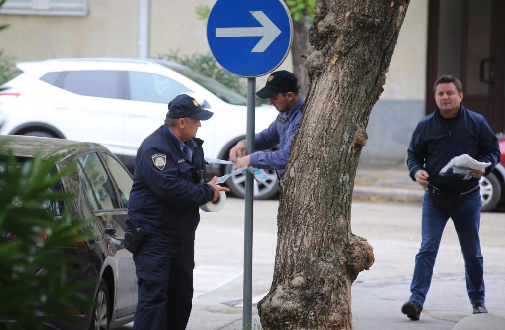 Policija vrši očevid u Rendicevoj ulici u kojoj je došlo do pucnjave