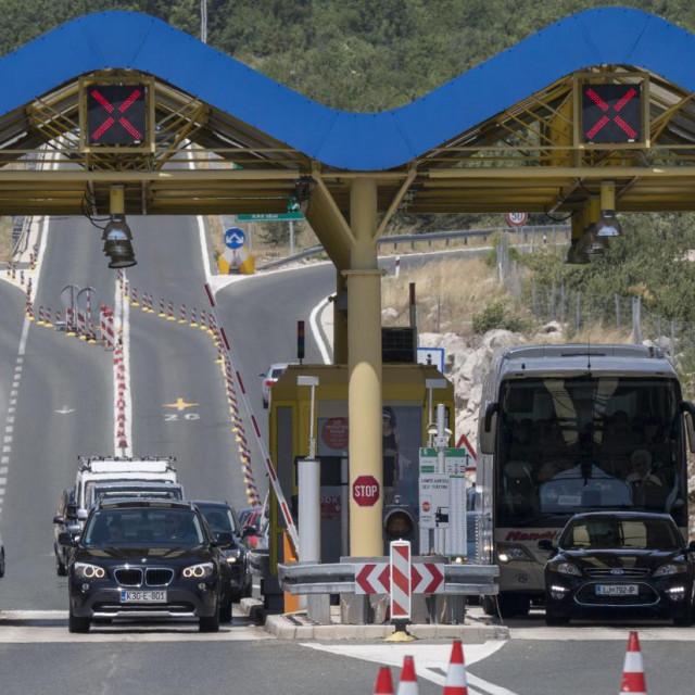 U Dugopolju se promet zasad normalno odvija