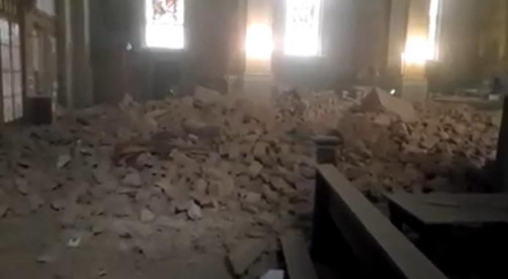 Slobodna Dalmacija Urusio Se Strop Crkve U Palmoticevoj Ulici U