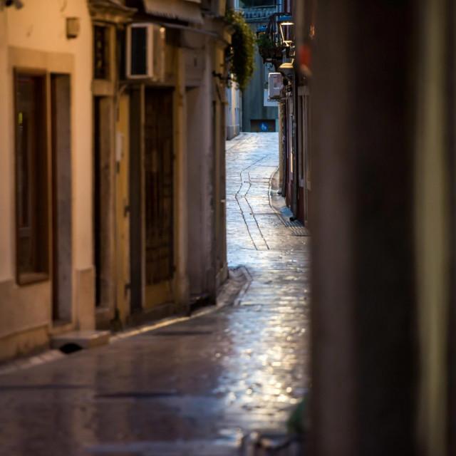 Sudeci po praznim gradskim ulicama i trgovima, Zadrani se prilicno strogo pridrzavaju mjera sigurnost