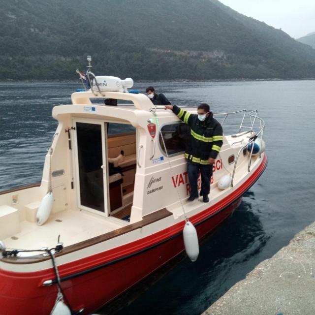 Hitan prijevoz vatrogasnom brodicom na Mljetu