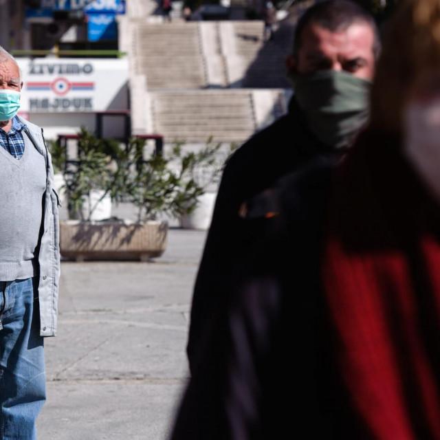 Blago onima koji su nabavili maske
