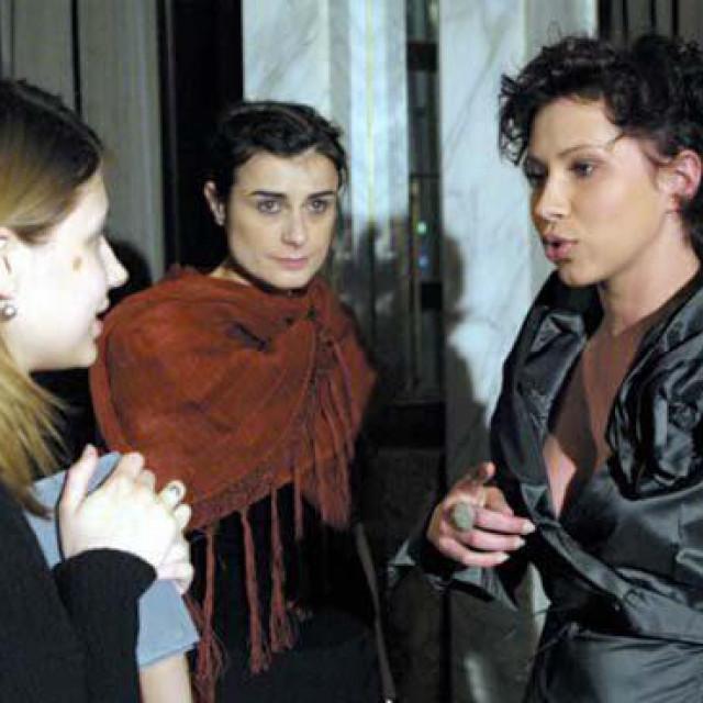 Biljana Srbljanović (u sredini)