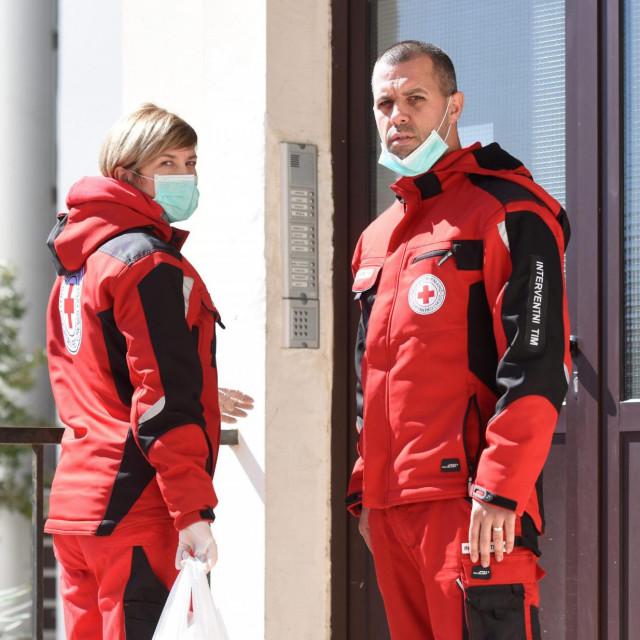 Na fotografiji: jedan od timova Crvenog Kriza.<br />