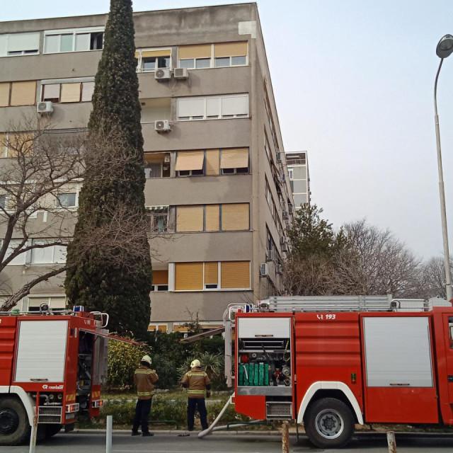 Split, 250320.<br /> PoŽar u stanu na drugom katu u ulici Ante Starčevića
