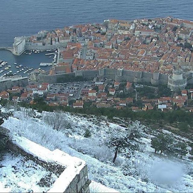 25. ožujka 2020., snijeg u Dubrovniku