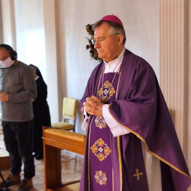 Nadbiskup Barišić služio je misu u kapeli Ordinarijata, koja se prenosila putem YouTube kanala