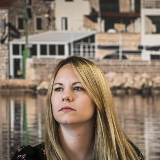 <br /> <br /> Na fotografiji: Ravnateljica Muzeja betinske drvene brodogradnje, etnologinja Kate Sikic Cubric.