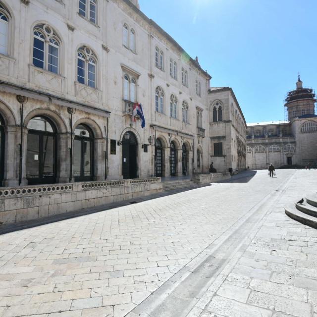 Opustjele ulice Dubrovnika - prazan Grad