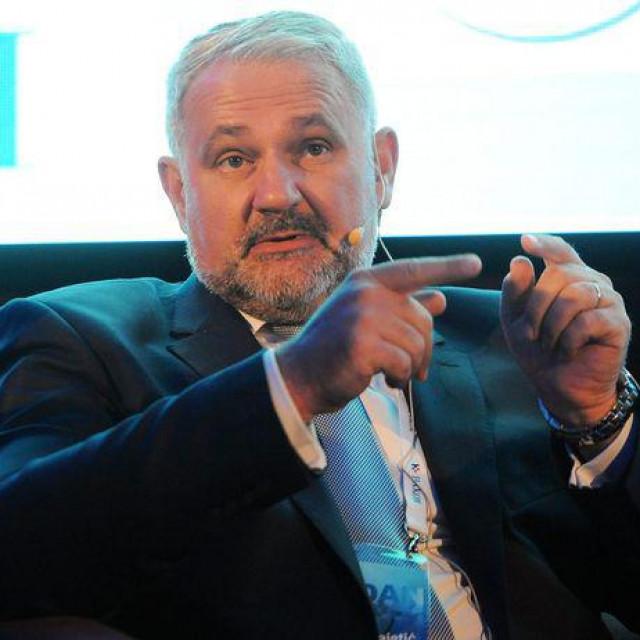 Glavni direktor Hrvatske udruge poslodavaca <strong>Davor Majetić</strong> poslao je priopćenje medijima u kojemo je istaknuo nužnost donošenja hitnih mjera za spas ekonomije po principu 'nula prihoda, nula rashoda'.