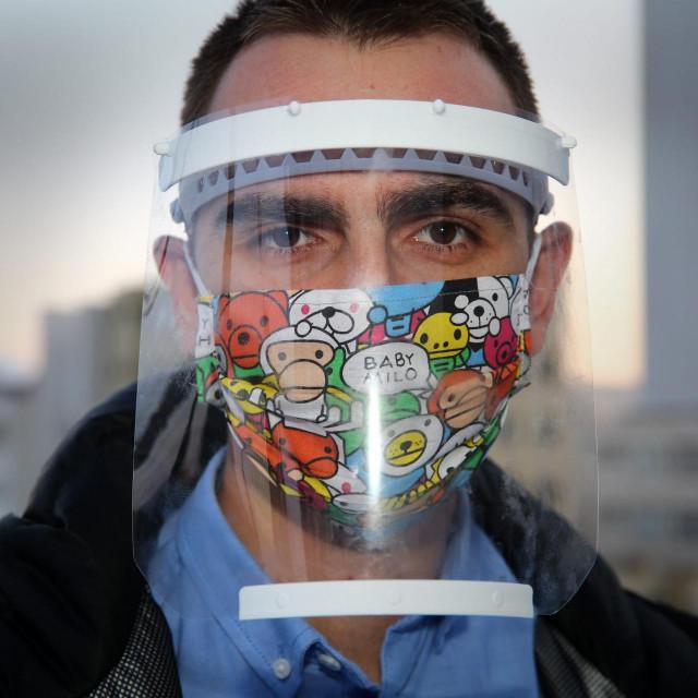 Slaven Damjanovic inicijator akcije printanja 3D vizira za zaštitu medicinskog osoblja.<br />