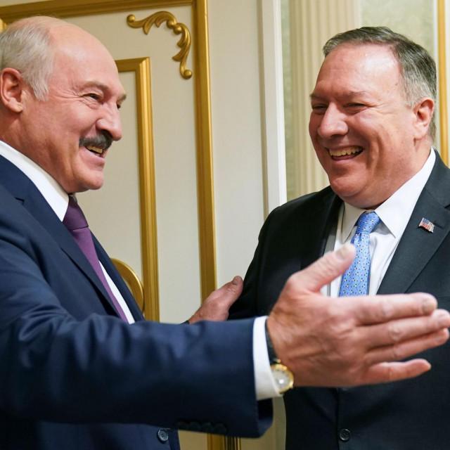 Aleksandar Lukašenko (lijevo) i američki državni tajnik Mike Pompeo