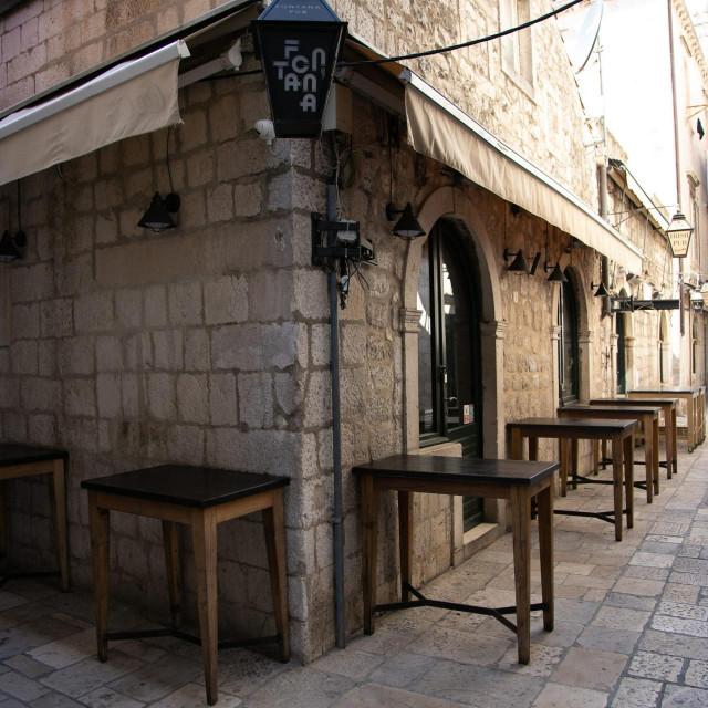 Dubrovnik, 190320.<br /> Zatvoreni svi ugostiteljski objekti u Dubrovniku. Puste ulice i nesvakidasnji prizori u centru grada.<br />
