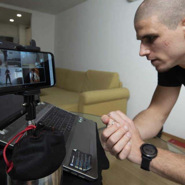 Kineziolog Izidor Abdulmar kaže kako se online trening pokazao punim pogotkom te poziva rekreativce da mu se pridruže