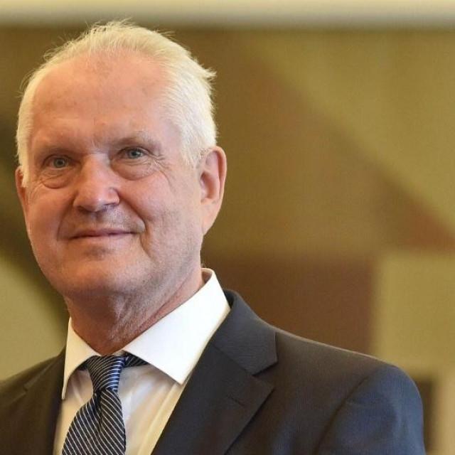 Martin Butigan i njegova obitelj donirali su 10 tisuća eura Općoj bolnici Dubrovnik i Caritasu Dubrovačke biskupije