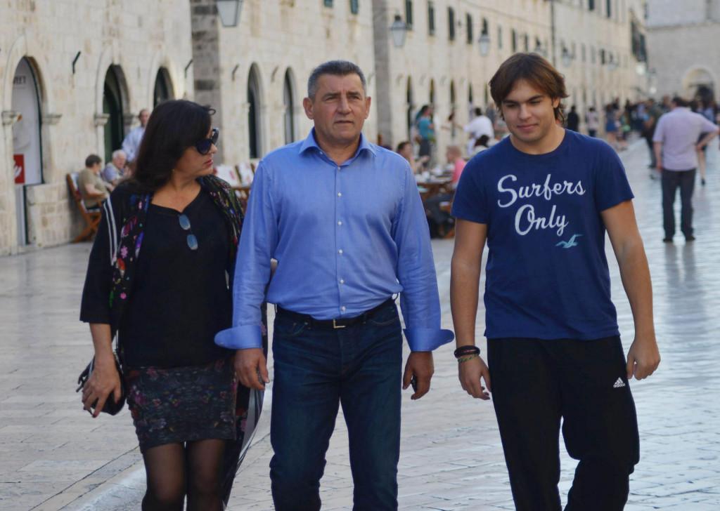 General Ante Gotovina sa suprugom Dunjom i sinom Antom