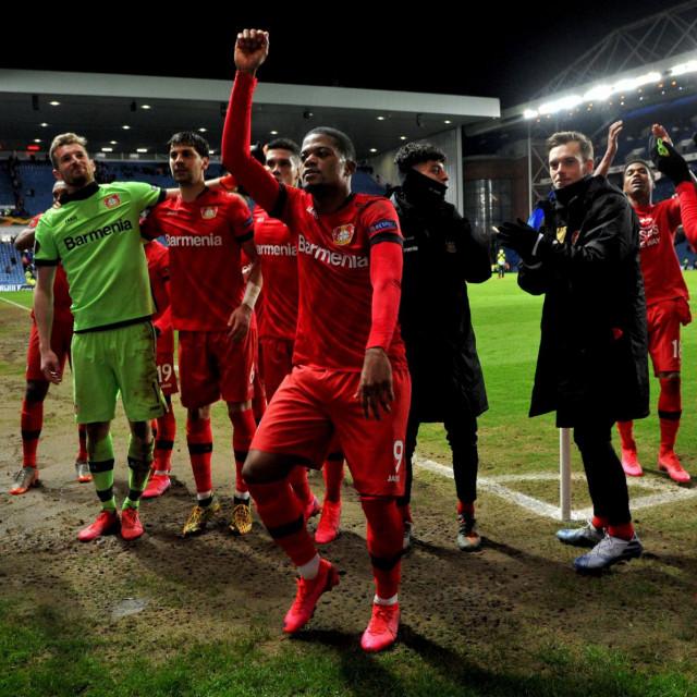 Slavlje igrača Bayera nakon pobjede na Rangersima