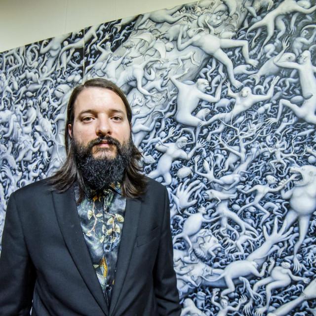 Vice Tomasović ispred rada s kojim sudjeluje u art bojanki Jutarnjeg lista<br /> Nikša Stipaničev/HANZA MEDIA