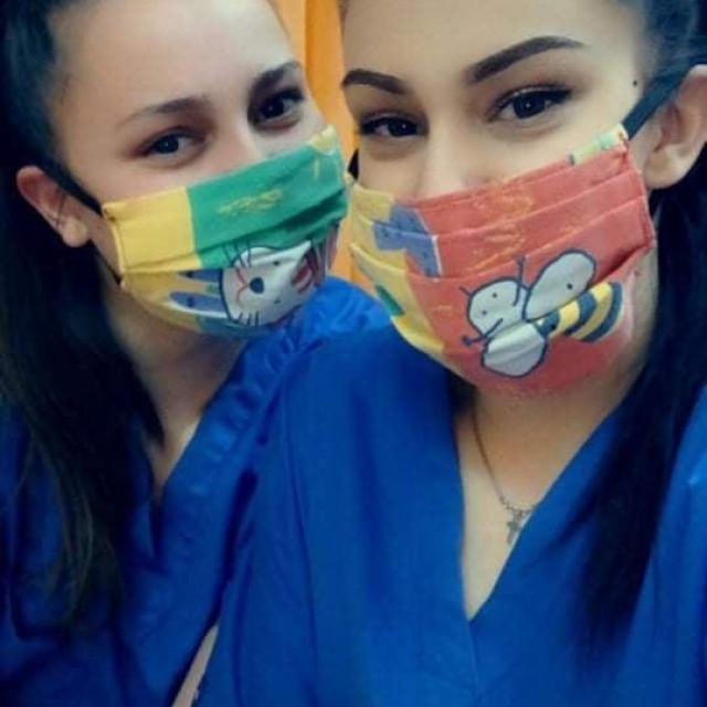 Medicinsko osoblje sa kninskim maskama