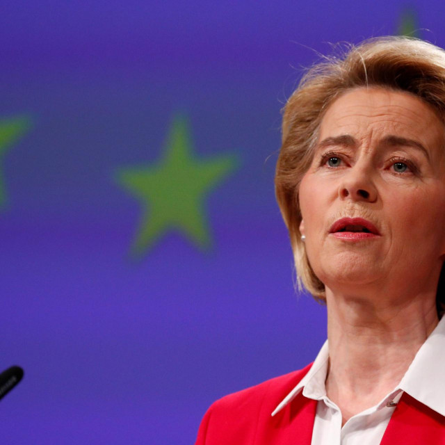 European Commission President Ursula von der Leyen gives a press conference on EU efforts to limit economic impact of the coronavirus disease (COVID-19) outbreak, in Brussels, on April 2, 2020. (Photo by FRANCOIS LENOIR/POOL/AFP)