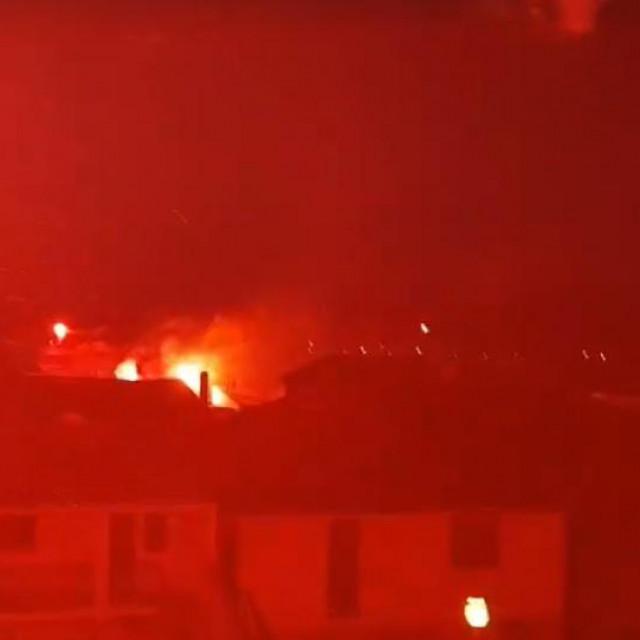 Murterini su zapalili bengalke i zapjevali Hajdukove pjesme