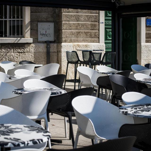 Zbog epidemije Coronavirusa prazne su ulice grada i kafići<br />