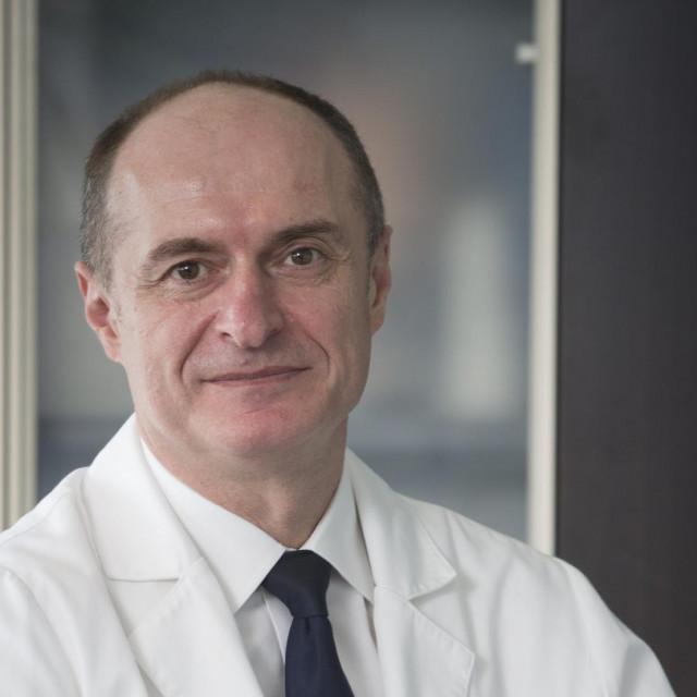 Prof. dr. sc. Eduard Vrdoljak, predsjednik Hrvatskog onkoloskog drustva i predstojnik Klinike za onkologiju i radioterapiju KBC Split<br />