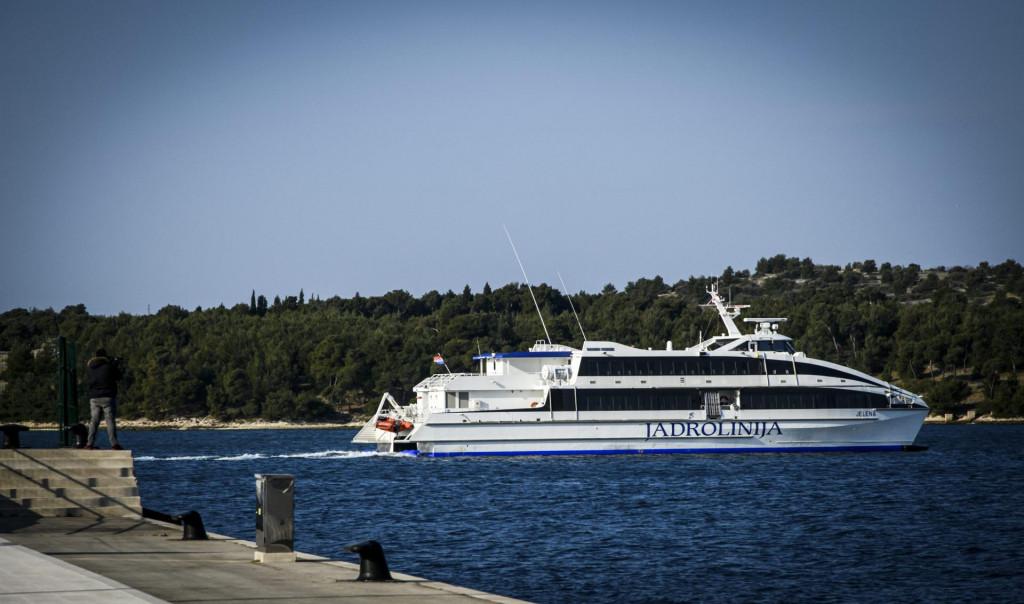 <br /> Jadrolinijin katamaran Jelena isplovljava za Italiju iz sibenske luke<br />