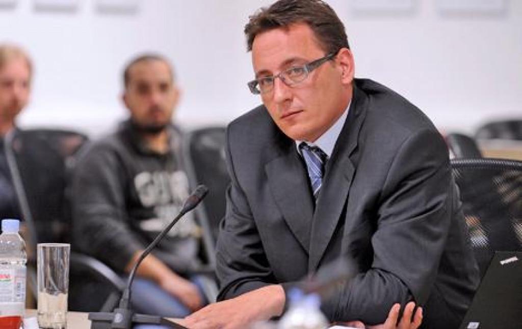 Ravnatelj Agencije za elektroničke medije (AEM) i predsjednik VEM-a Josip Popovac izrazio je zadovoljstvo profesionalnom i etičkom razinom izvještavanja hrvatskih medija o pandemiji Covid-19 u Hrvatskoj i svijetu.