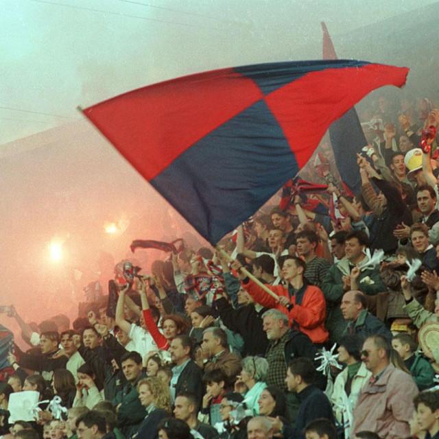 Festa na tribinama u Gružu 8. travnja 2000. godine - Jug je pobjednik LEN-a kupa foto: Milo Kovač