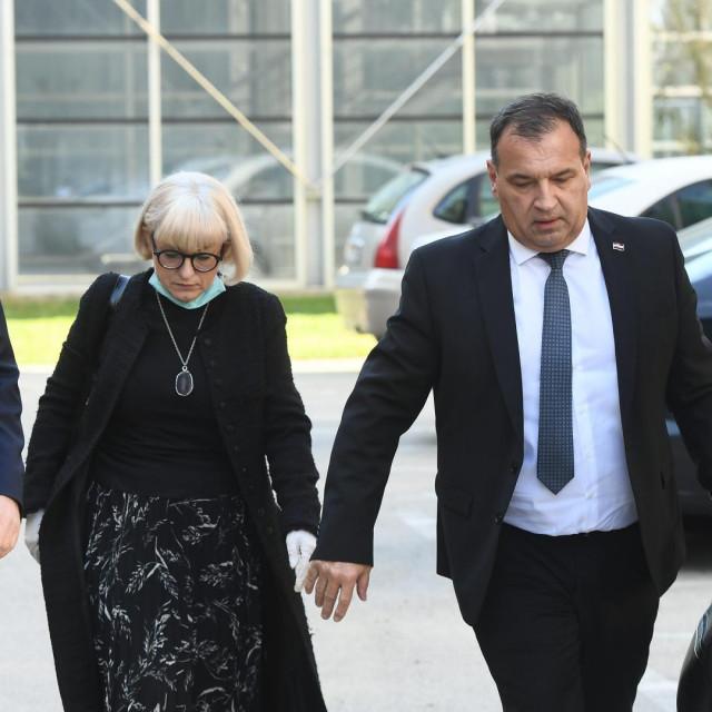 Ministar zdravstva Vili Beroš doputovao je u Split zbog novog žarista zaraze koronavirusom u Domu za starije i nemoćne.