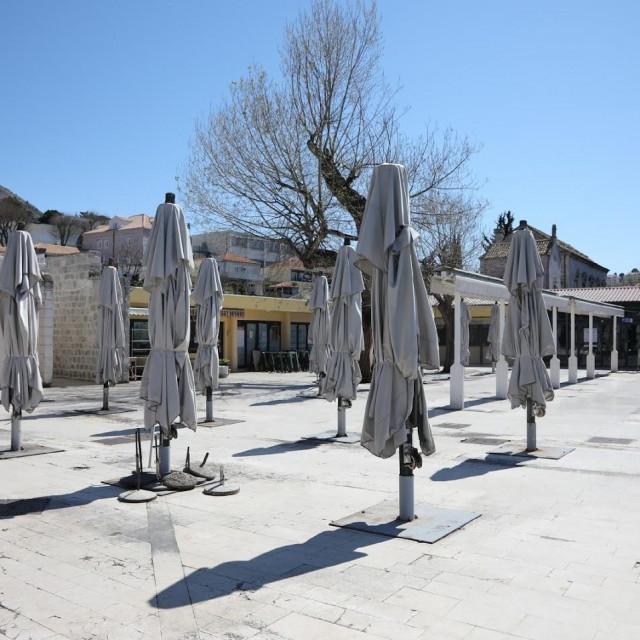 Prazna placa u Gružu - prizor kojemu Dubrovčani svjedoče još od 22. ožujka