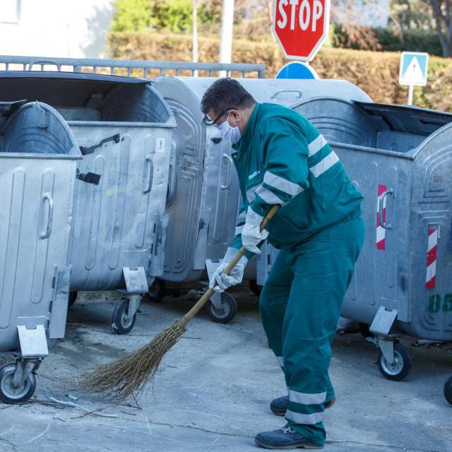 Radnici nastoje održati standardnu razinu čistoće i urednosti grada