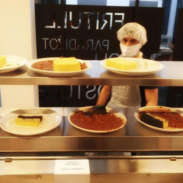 Studentski centar ima velike kuhinje, praktički im se ne isplati paliti pećice za stotinjak obroka
