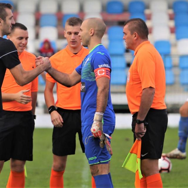 Dalibor Kristić, izvukao je podatak Borna Stanković, odigrao je 'oko 350 utakmica od čega je 145 puta ekipu poveo kao kapetan' foto: Tonči Vlašić