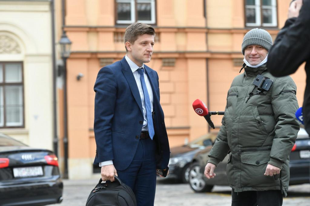 Prihodi državnog proračuna u prvih deset dana travnja na trećini su prihoda od prošle godine objavio je ministar Zdravko Marić