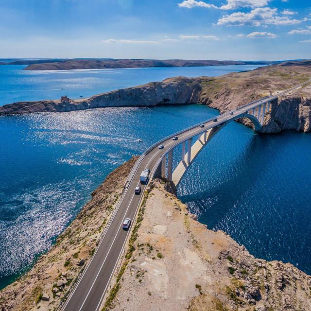 Panoramske snimke okolice Paškog mosta snimljene bespilotnom letjelicom
