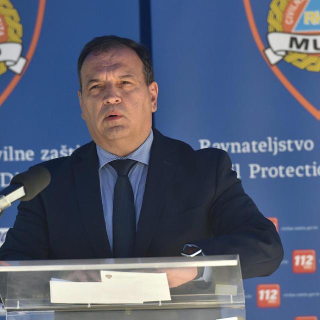 Zagreb, 210420.<br /> Nacionalni stozer civilne zastite odrzao je konferenciju za medije o najnovijim detaljima sirenja koronavirusa u Hrvatskoj.<br /> Na fotografiji: Ministar zdravstva Vili Beros.<br />