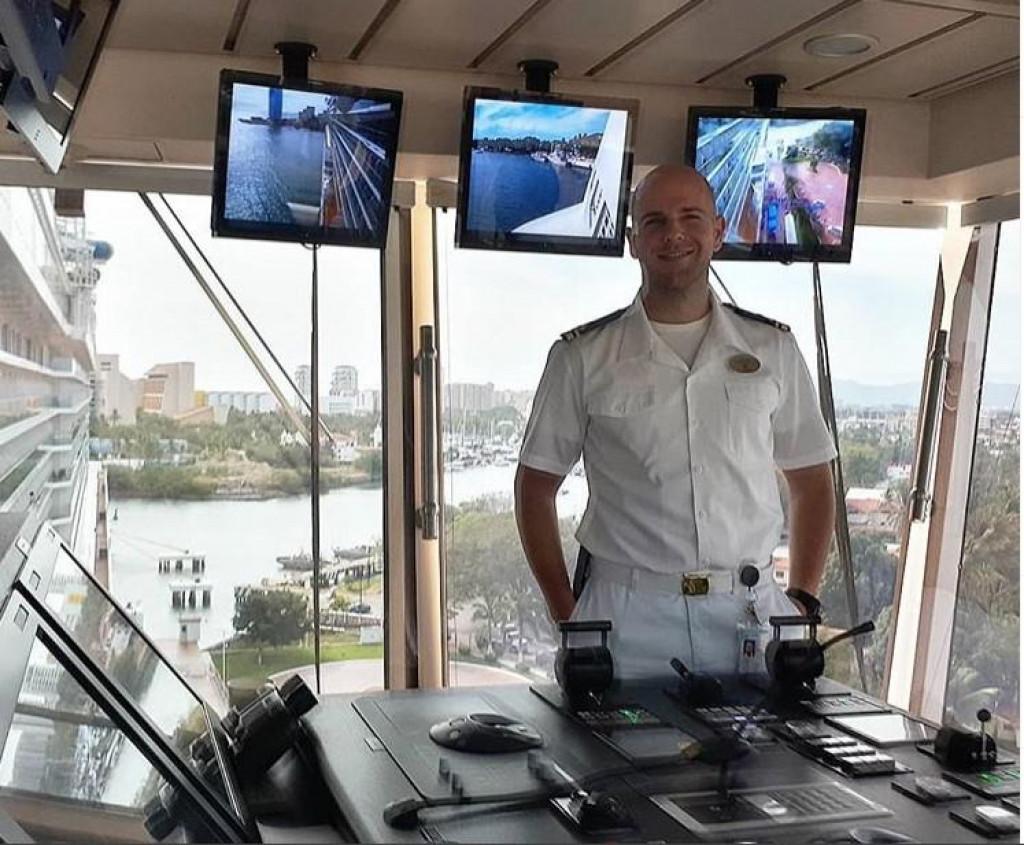 32- godišnji Luka na svom novom radnom mjestu - kruzeru za 5000 putnika