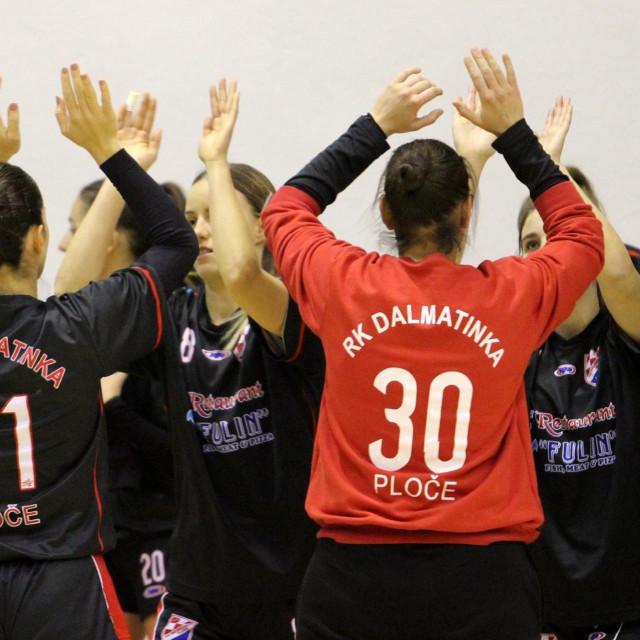 Ženski rukometni klub Dalmatinka foto: Tonči Vlašić