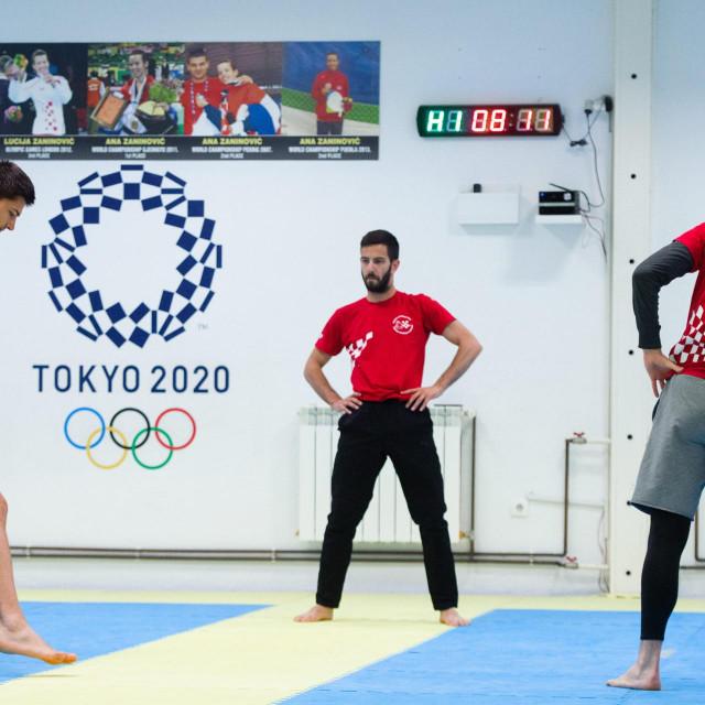 Taekwondo reprezentativci iz kluba Marjan, Toni Kanaet, Lovre Brečić i Piero Marić trenirali su s trenerima Veljkom Laurom i Martinom Erdeljcem u prostoru Olimpijskog centra na Gripama prvi put nakon 14. ožujka.