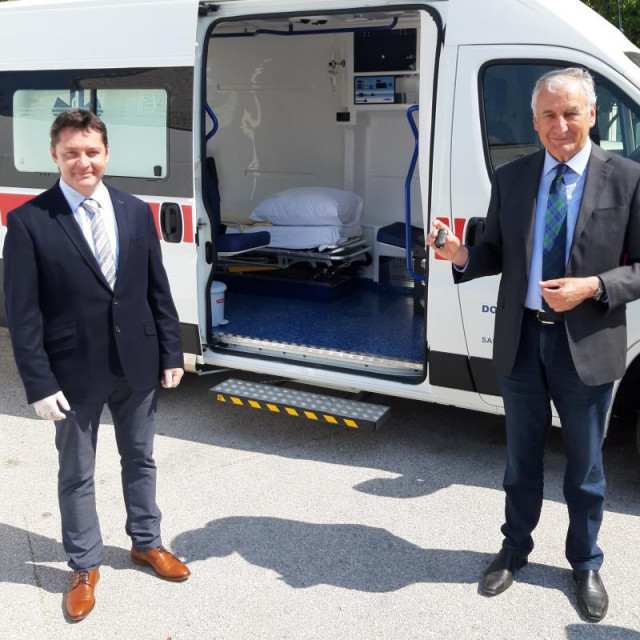 Domu zdravlja Korčula novo sanitetsko vozilo za potrebe ambulante u Orebiću