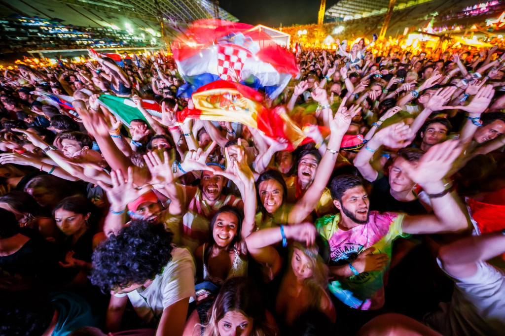 Publika lanjske Ultre - festival na internetu odbrojava dane do početka, ali malo tko vjeruje u njega...
