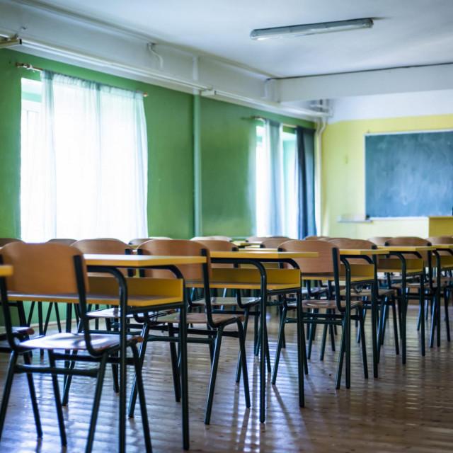 Sibenik, 160320.<br /> Radi epidemije Coronavirusa, obustavljena je nastava u svim skolama RH Hrvatske, nastava se odrzava preko interneta.<br /> Na fotografiji: Prazne ucione sibenske Gimnazije.<br />