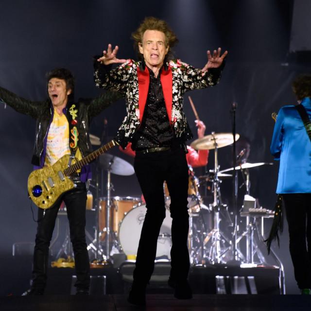 Da nije korone, Mick Jagger<strong> </strong>bi pjevao po stadionima diljem globusa, a ovako je osuđen na ronjanje svoje partnerice