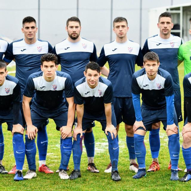 Prvih jedanaest GOŠK Dubrovnika u kup utakmici protiv Konavljanina u Čilipima foto: Tonći Plazibat / HANZA Media