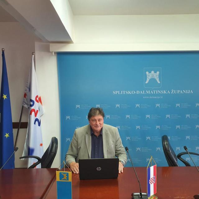 Usamljeni Petroslav Sapunar vodio je elektroničku sjednicu Županijske skupštine bez nazočnosti vijećnika